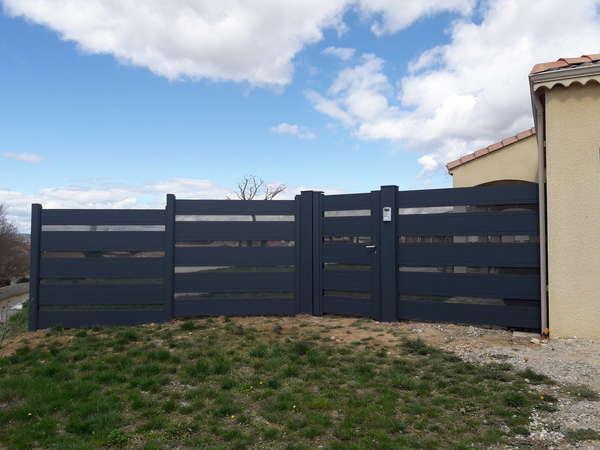 Photo de l'actualité pose d'un portillon + clôture