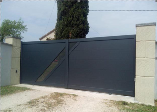 Photo de l'actualité Pose d un portail coulissant KSM en Aluminium
